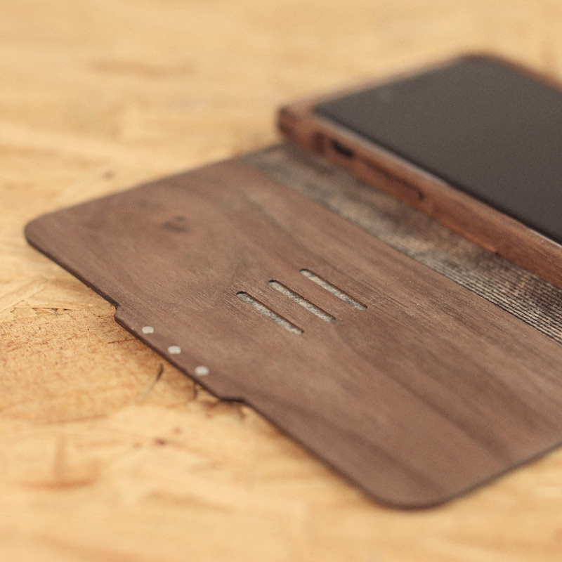 Hands On Review - Walnut & Leather iPhone 6 Case From Grovemade